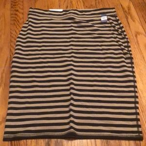 NWT Old Navy Black/beige stripe knit skirt